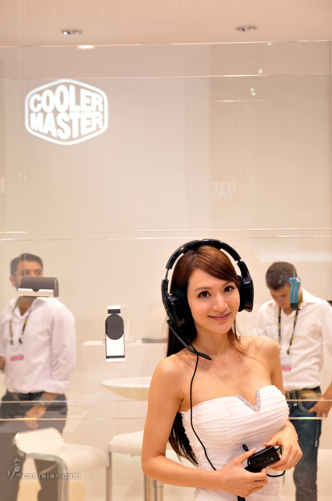 Booth-Babes-Computex-2014-11