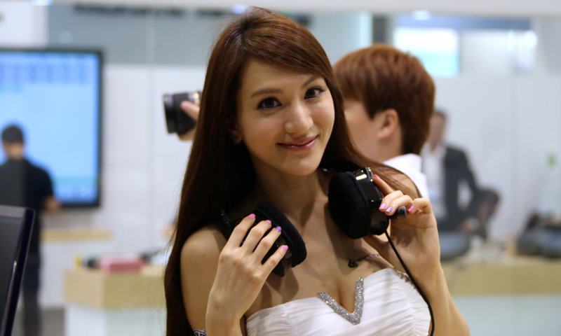 Booth-Babes-Computex-2014-131