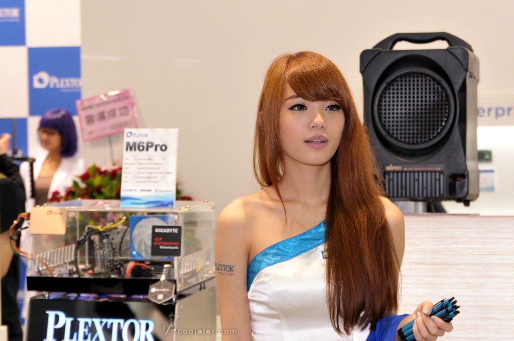 Booth-Babes-Computex-2014-18