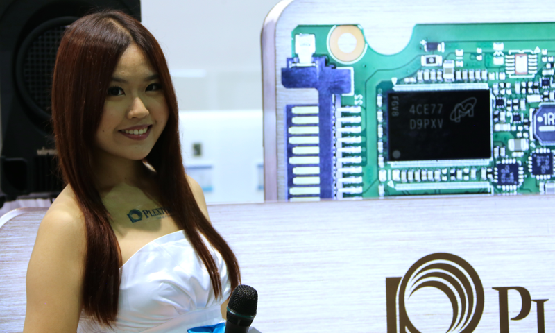 Booth-Babes-Computex-2014-2