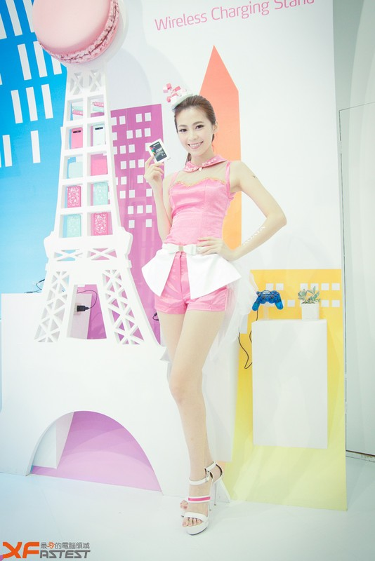 Booth-Babes-Computex-2014-33