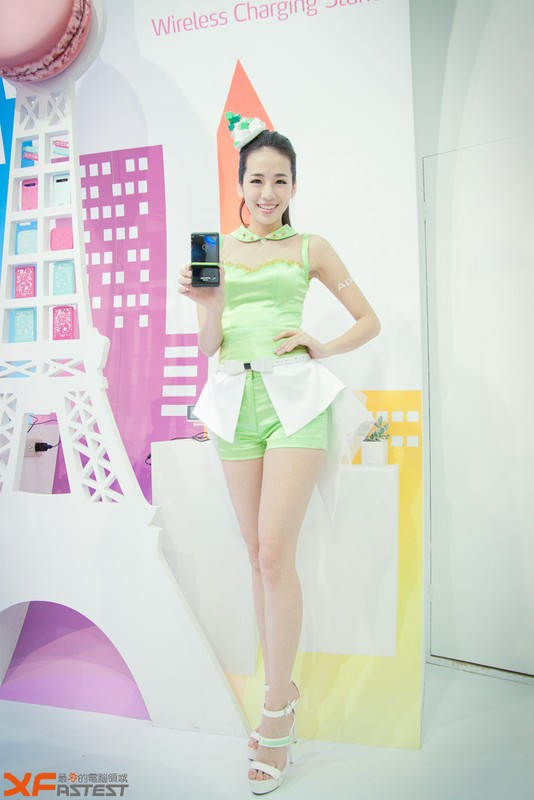 Booth-Babes-Computex-2014-34