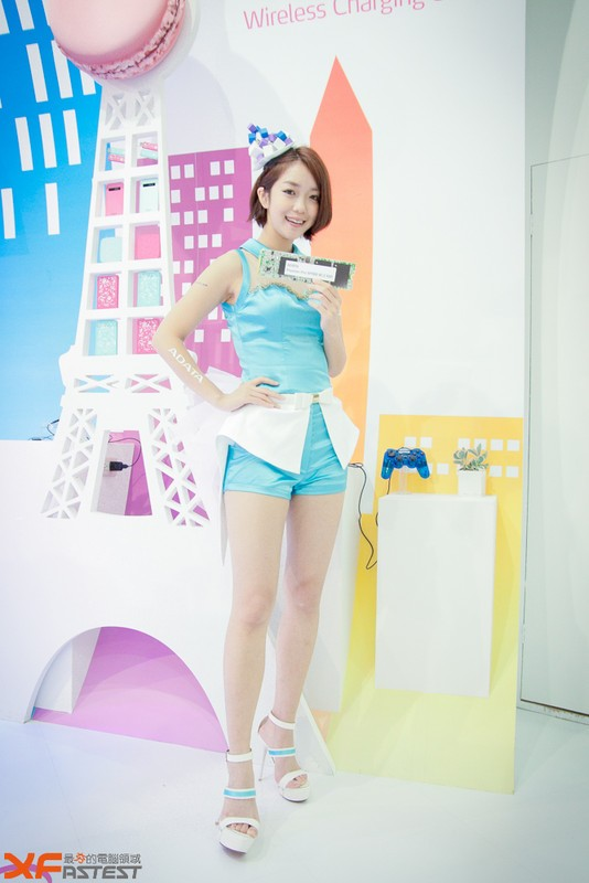 Booth-Babes-Computex-2014-35