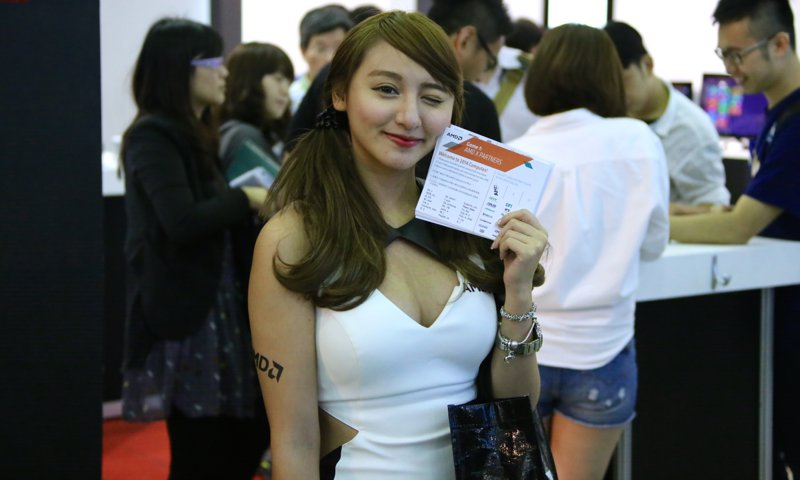 Booth-Babes-Computex-2014-431