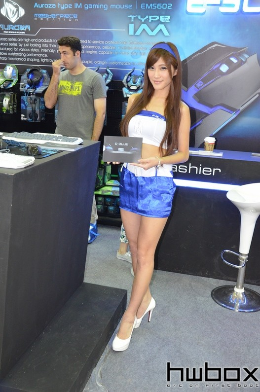 Booth-Babes-Computex-2014-71