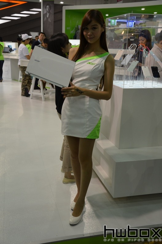 Booth-Babes-Computex-2014-75