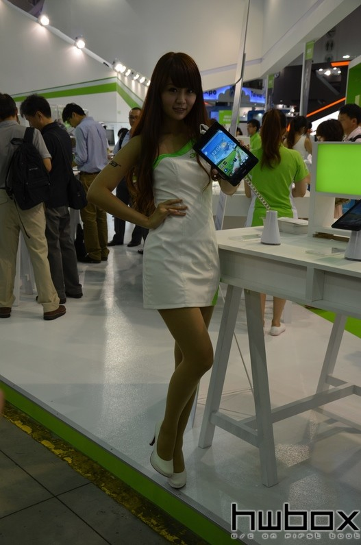Booth-Babes-Computex-2014-76