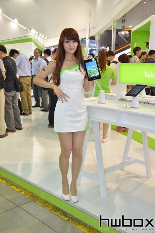 Booth-Babes-Computex-2014-77