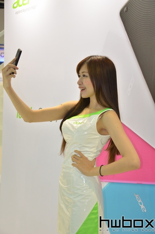 Booth-Babes-Computex-2014-78