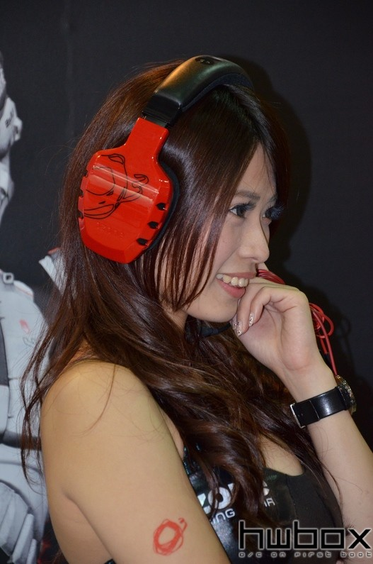 Booth-Babes-Computex-2014-97
