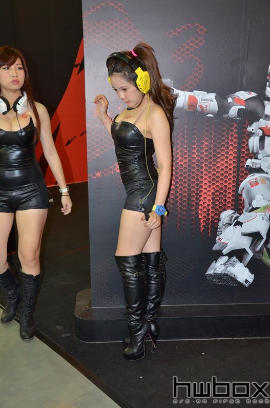Booth-Babes-Computex-2014-99